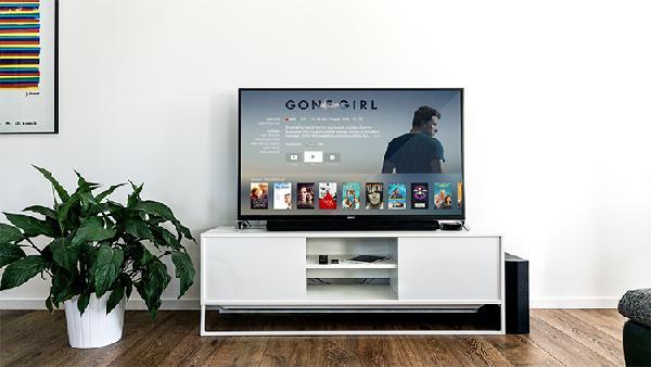 TV und Lautsprecher